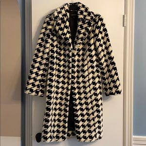 Express black and white houndstooth coat